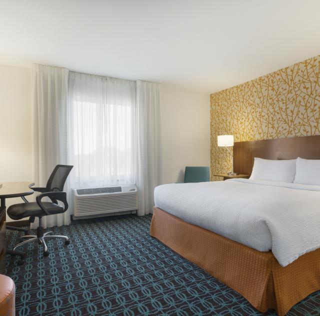 Fairfield Inn & Suites King Room