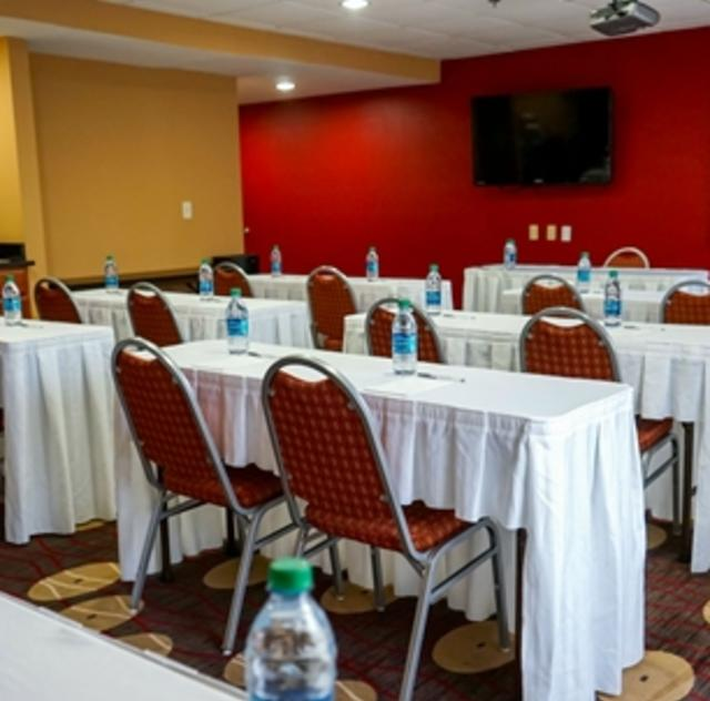 Hampton Inn Selma Meeting Room