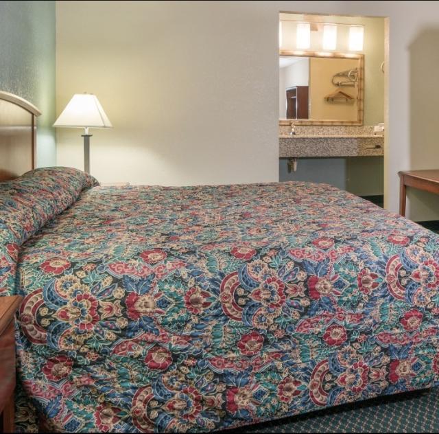 Motel 6 Single Room