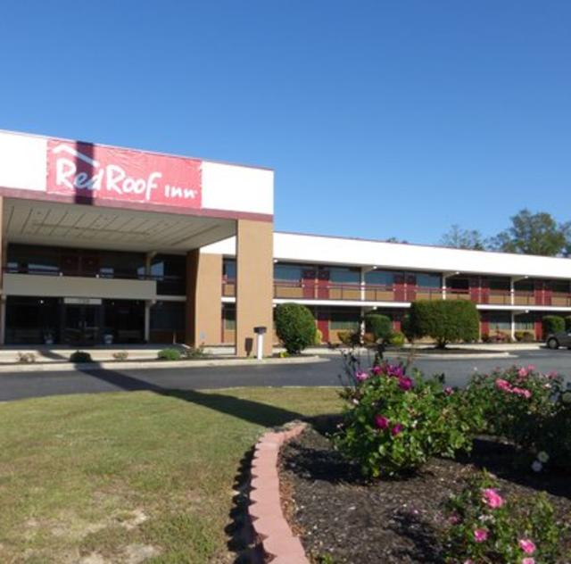 Red Roof Inn Exterior