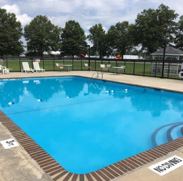 Red Roof Inn Outdoor Pool
