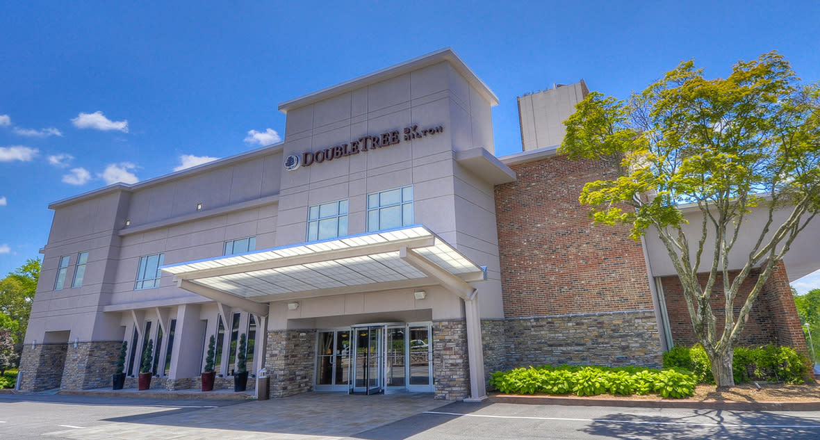 DoubleTree by Hilton Raleigh Brownstone-University