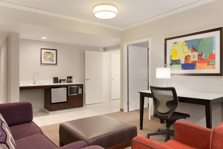 Emnbassy Suites ADA guest room