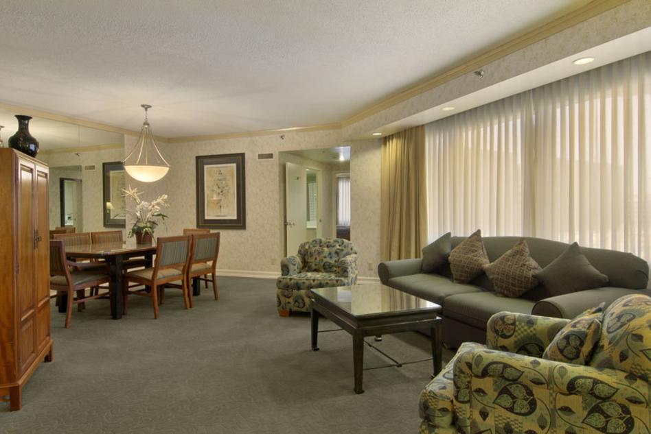 Embassy Suites suite