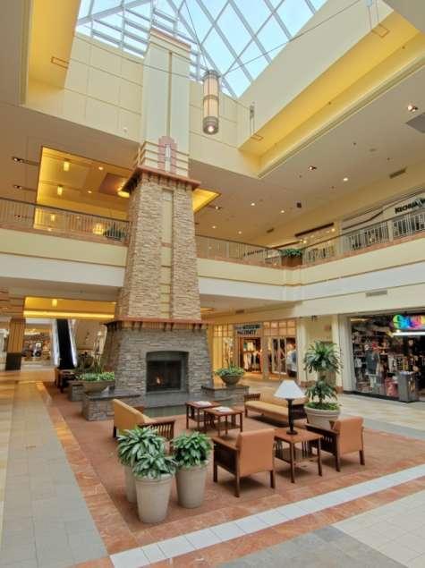 Colonie Center Mall