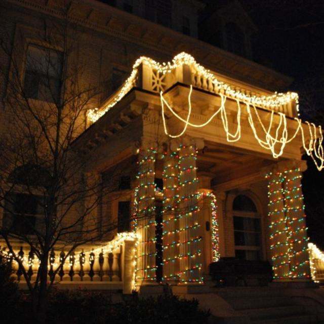 Holiday Glitter Walking Tours are offered each December