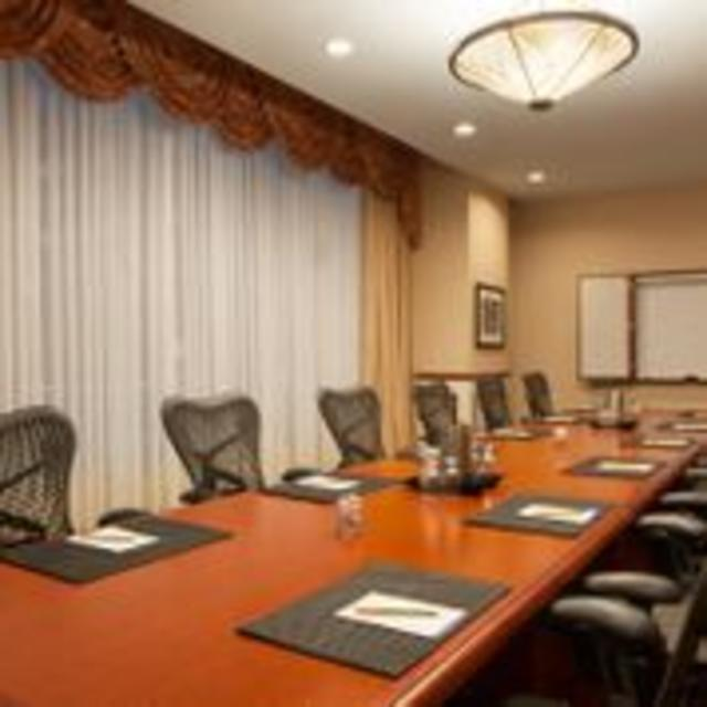 Hilton Garden Inn Downtown Richmond Hotel Boardroom