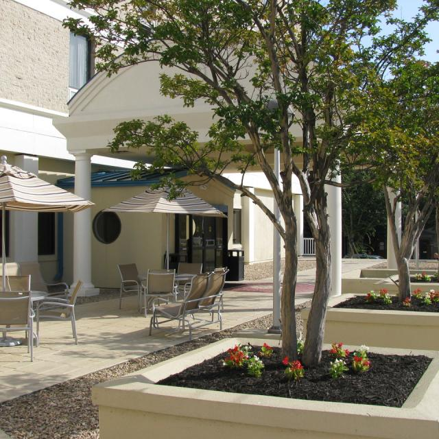 Holiday Inn Express Downtown Exterior