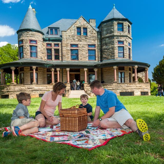 Family Picnic at Maymont Mansion