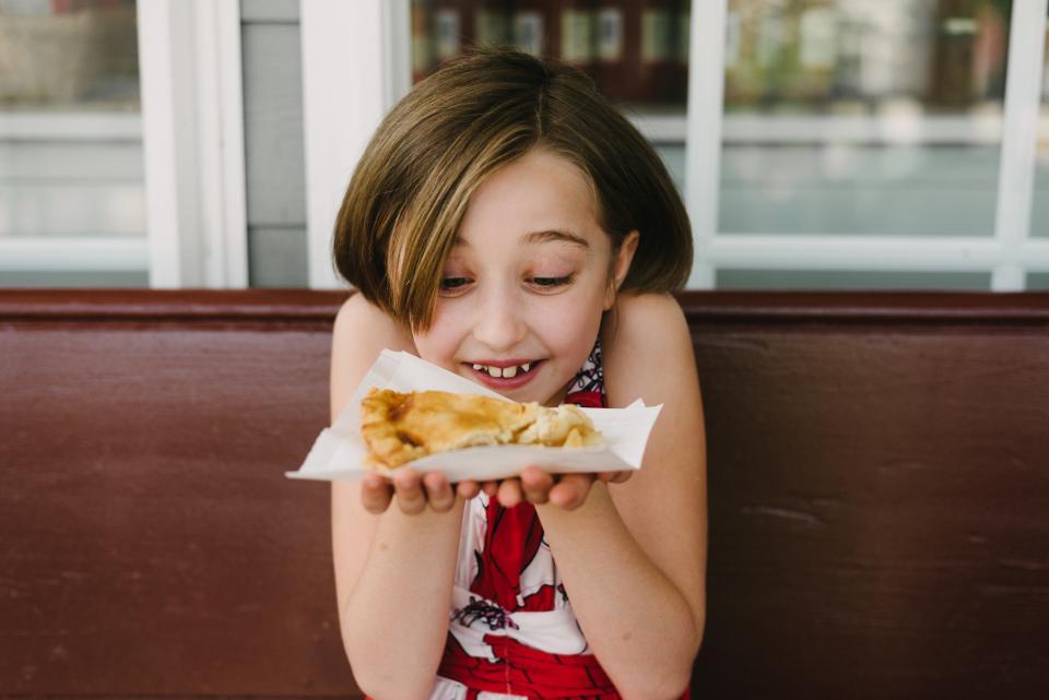 Occoquan_Moms Apple Pie_girl
