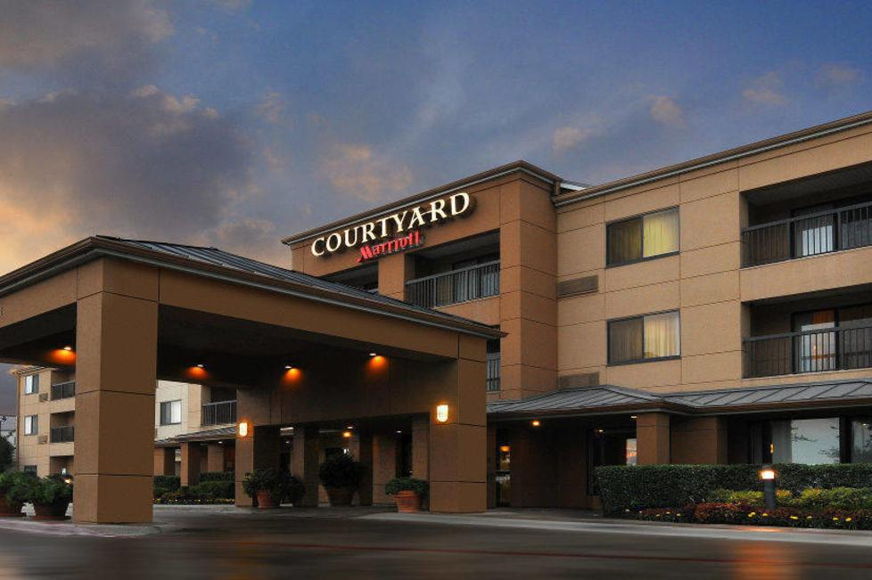 courtyard by marriott fossil creek