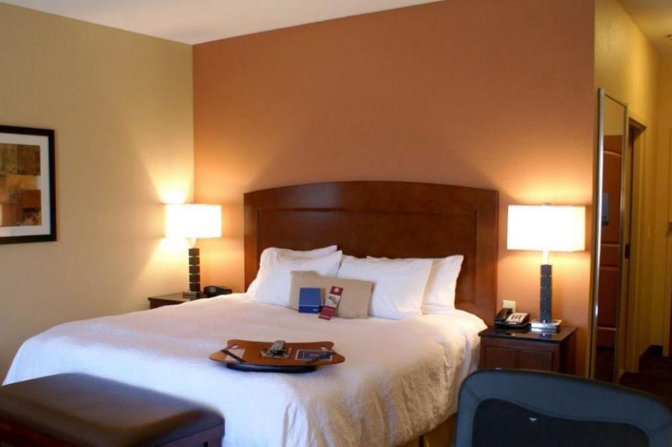 hampton inn and suites burleson