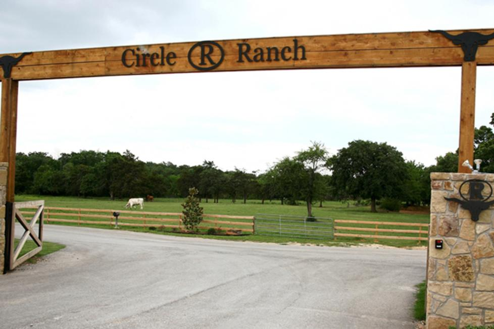 Circle R