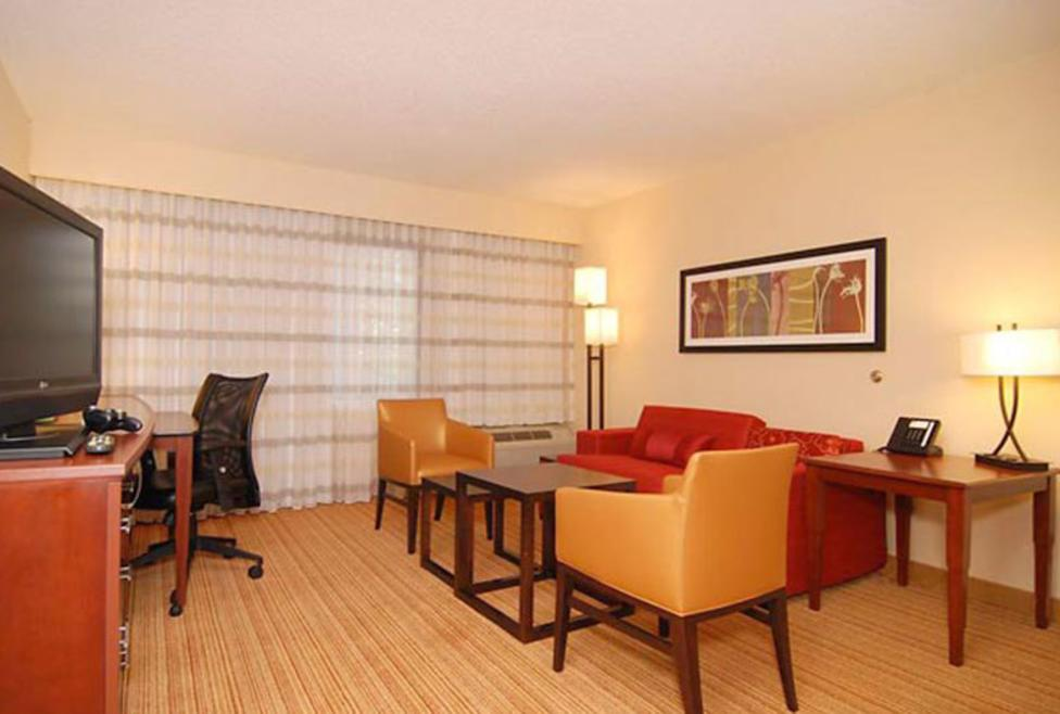 Courtyard Dallas - DFW Airport South/Irving - King Suite