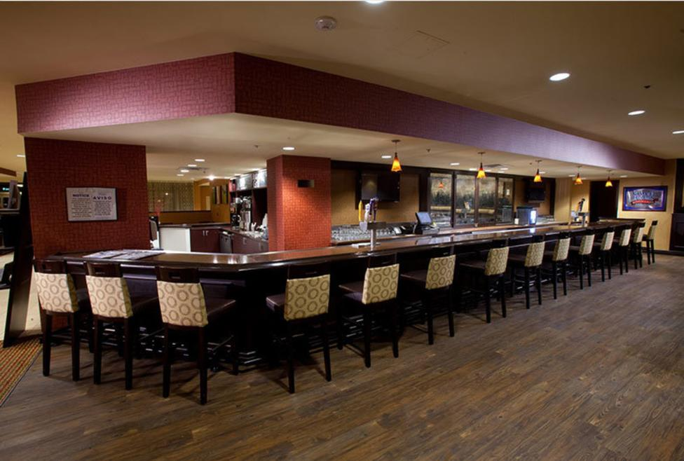 Doubletree by Hilton DFW Airport North - bar