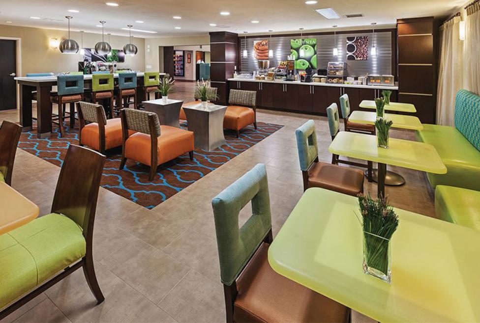 La Quinta Inn Hotel & Suites - Las Colinas - cafe