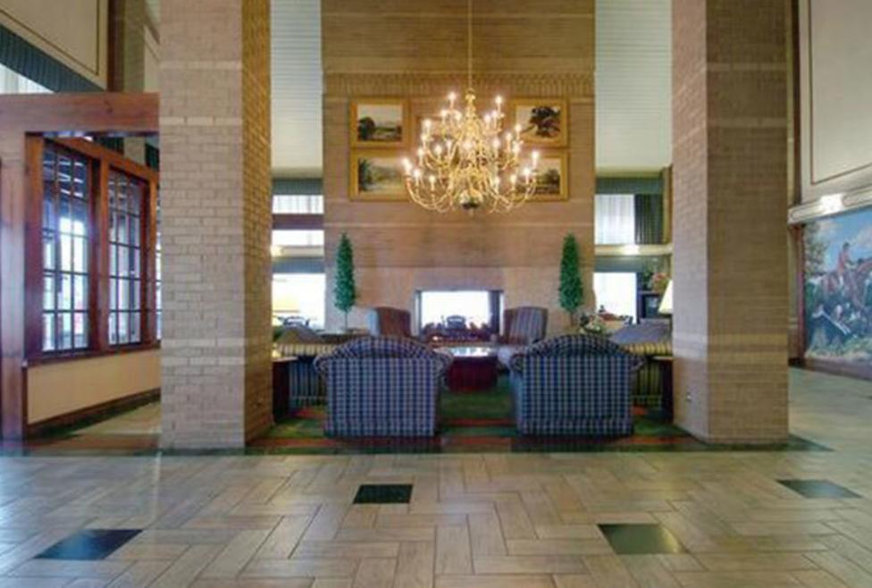 Best Western Irving Inn & Suites - Lobby