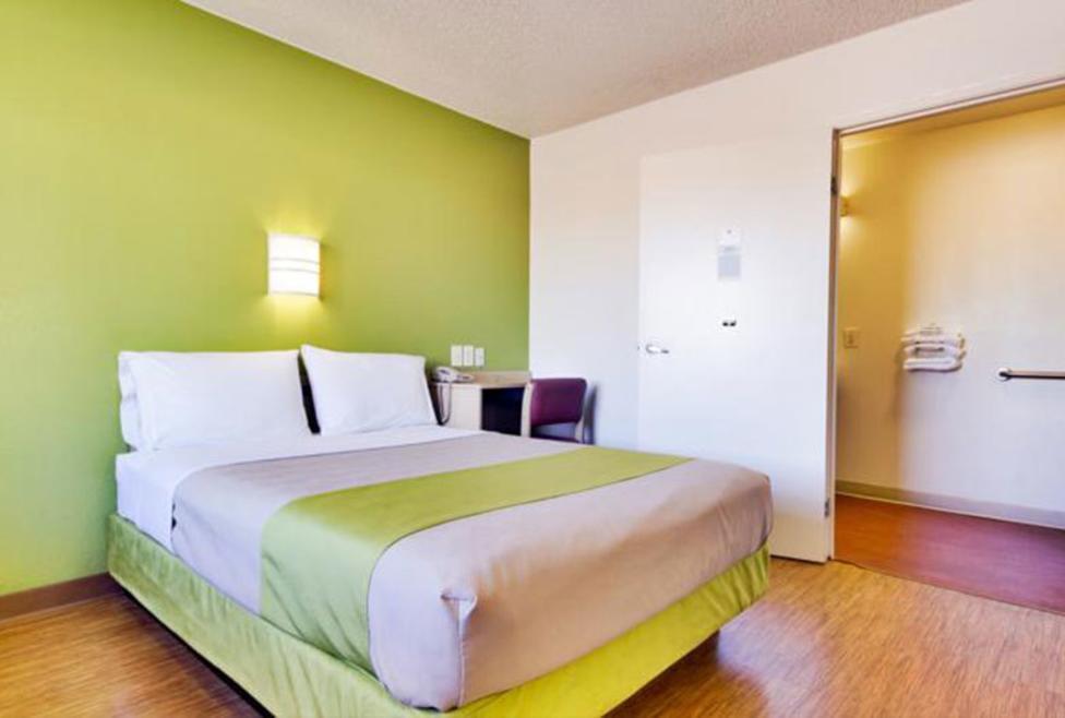 Motel 6 - Irving - king