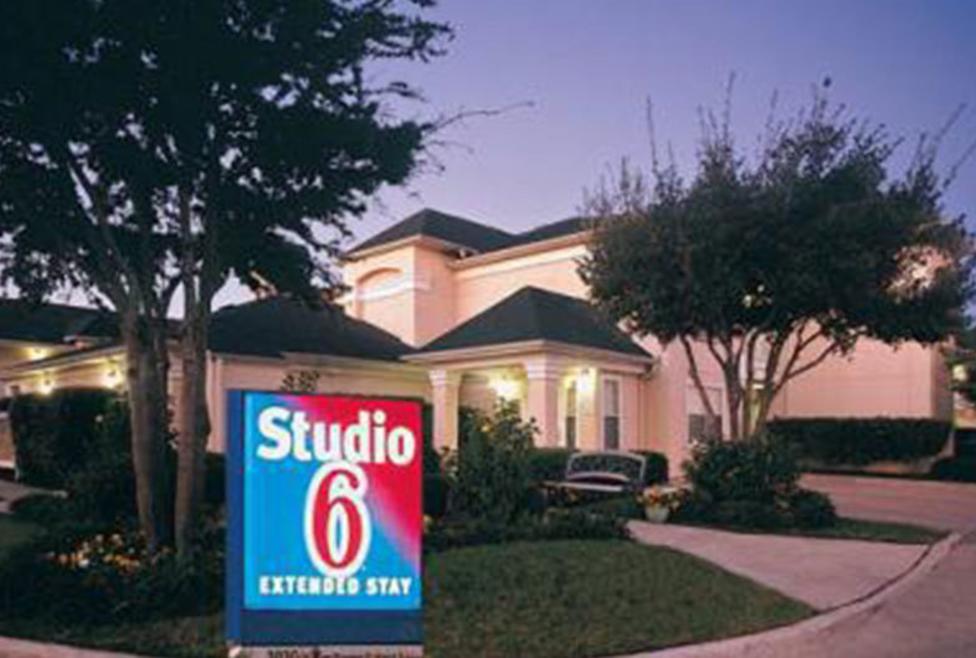 Studio 6 - Exterior
