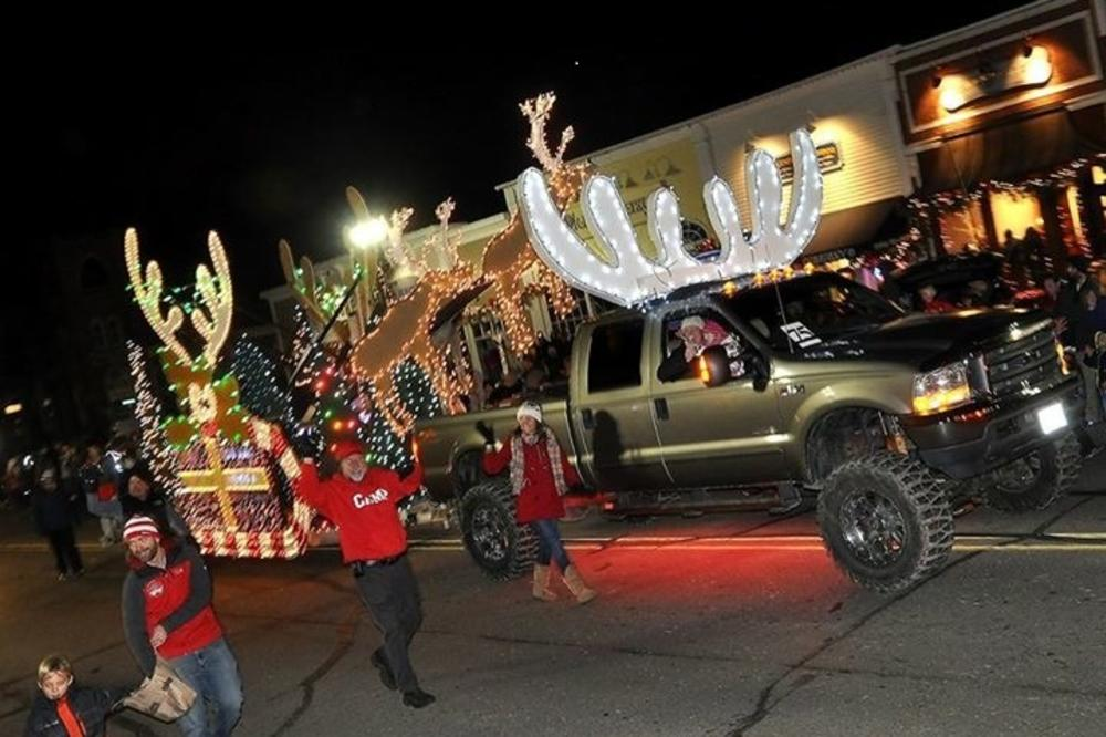 43rd annual electric christmas parade - Are Gas Stations Open On Christmas