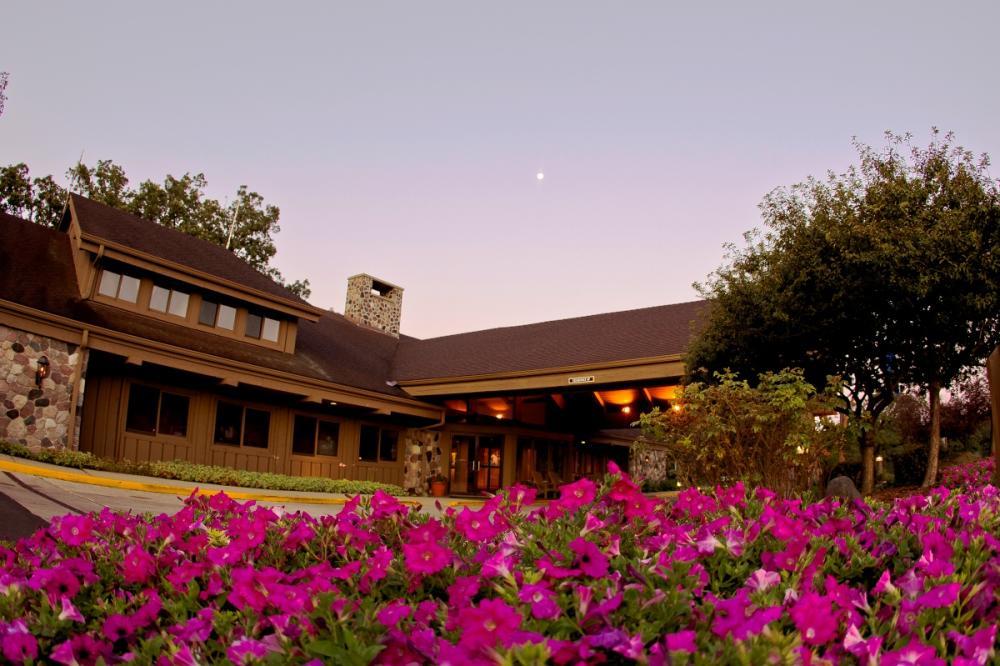 Resort_Lobby_1200x800.jpg
