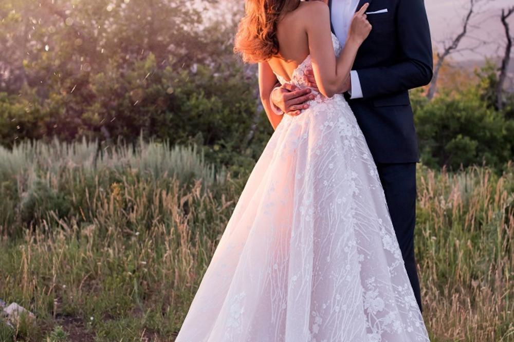 whimsical-lace-wedding-dress-Martin-Thornburg-Mon-Cheri-118281_editorial_A.jpg