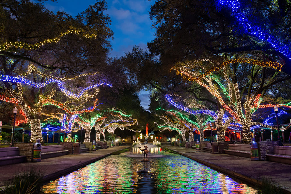 txu energy presents zoo lights celebrates its seventh year as one of houstons most well loved holiday traditions