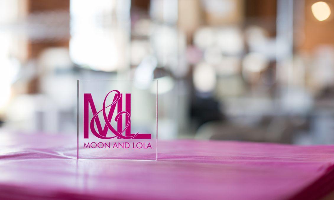 Moon and Lola - Apex