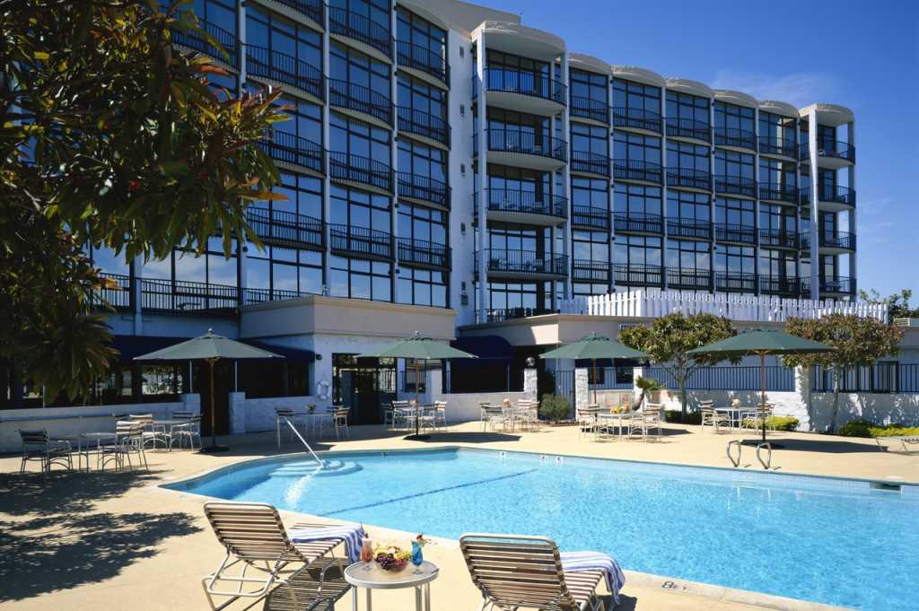 Red Lion Hotel Oakland International
