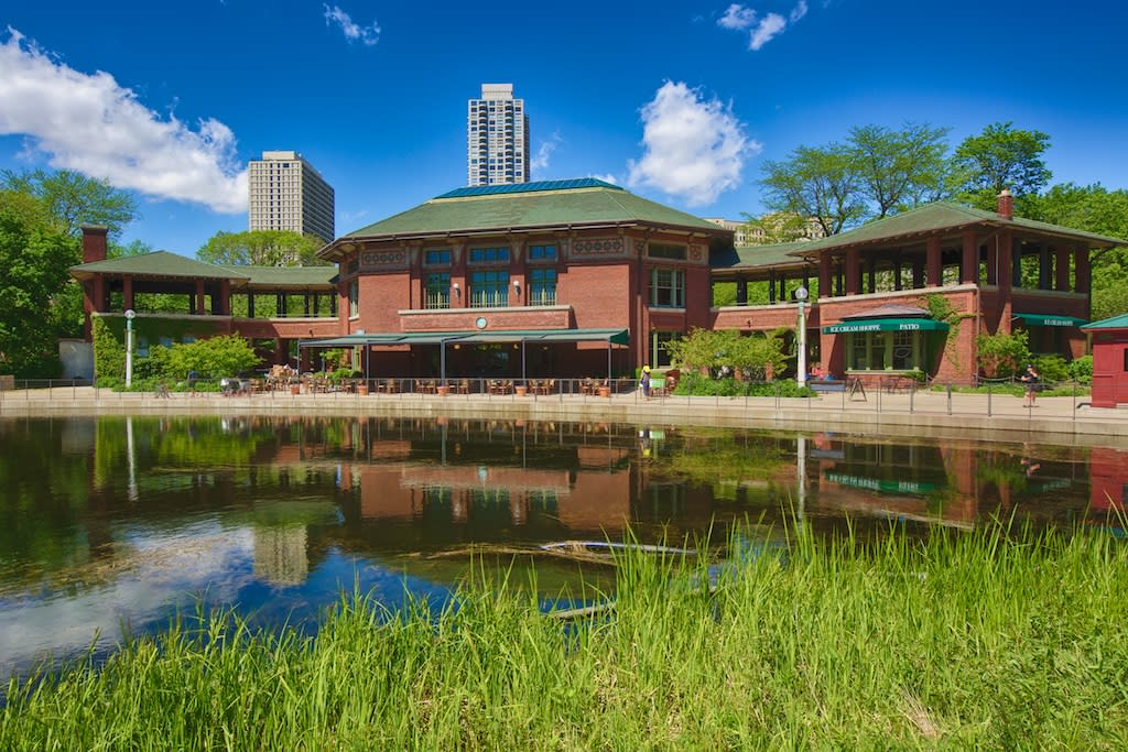 Cafe Brauer at Lincoln Park Zoo Chicago