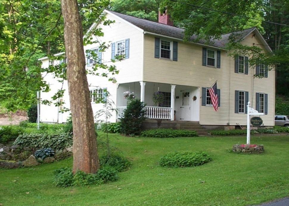 Fox Ridge B&B - house, front.jpg