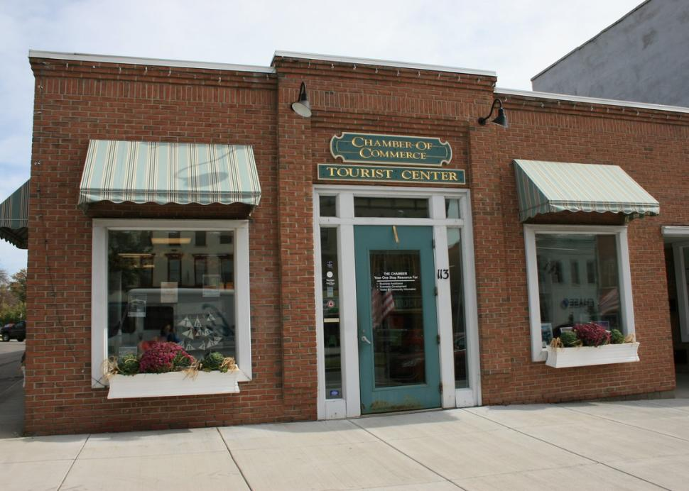 Front entrance to the Canandaigua Chamber of Commerce