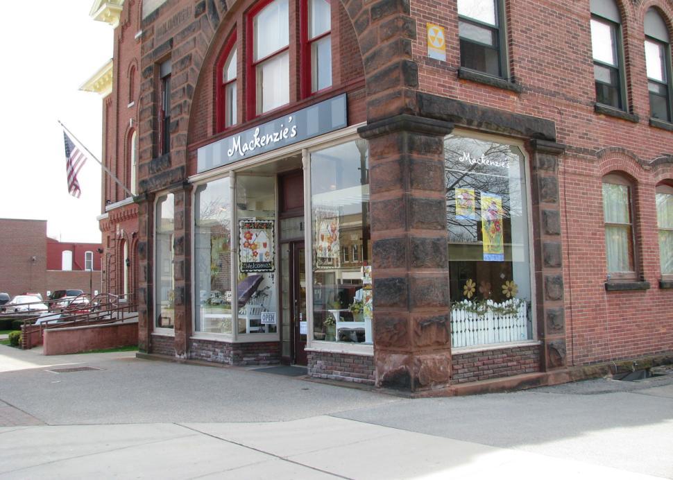 Mackenzie's store Front