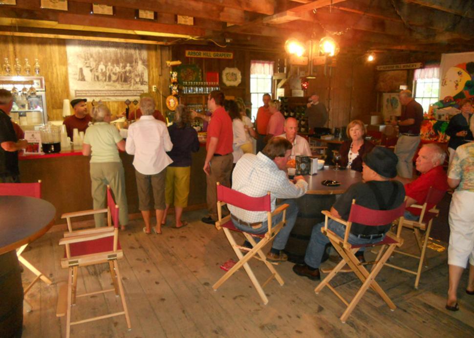 brew-brats-naples-more-patrons