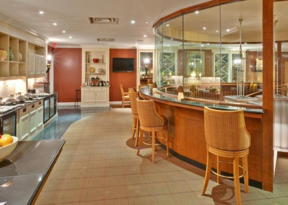 Dining at the Crowne Plaza