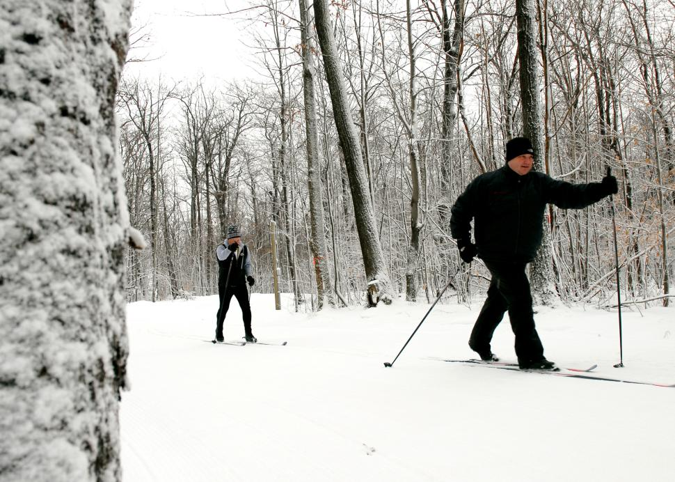 finger-lakes-bristol-mountain-nordic-XC-men-skiing