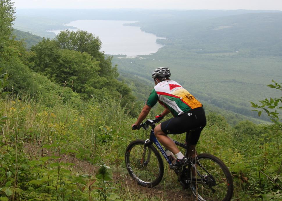 harriet-hollister-spencer-state-park-honeoye-fall-scenic-view-mountain-bikers-trail