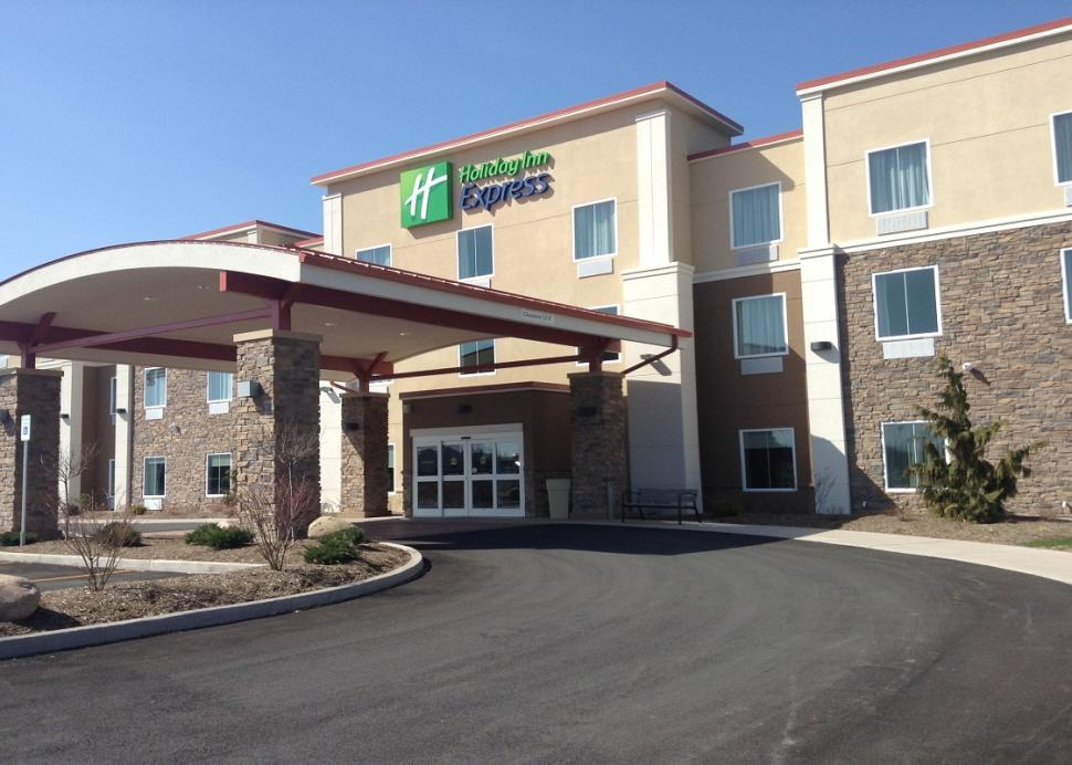 holiday-inn-express-canandaigua-exterior