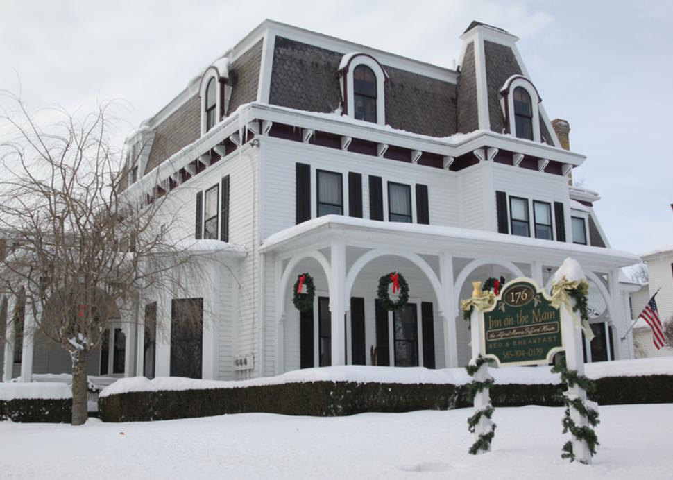 inn-on-the-main-canandaigua-exterior-winter