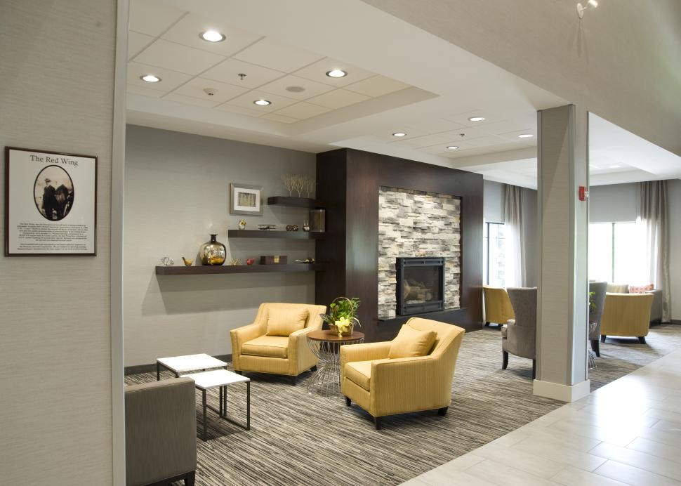 Lobby Seating & Fireplace