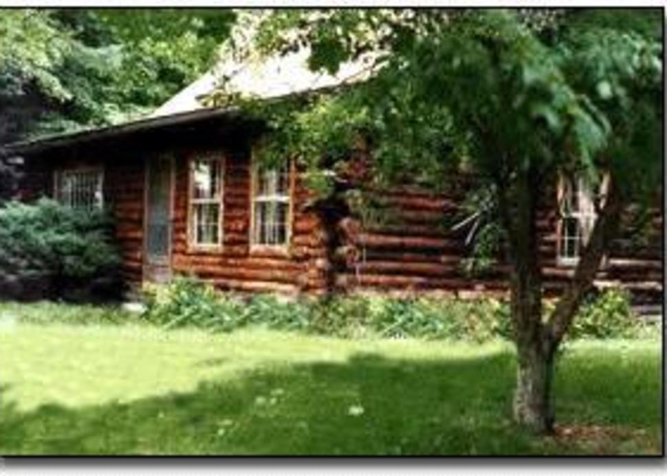Log Country Inn B&B of Ithaca
