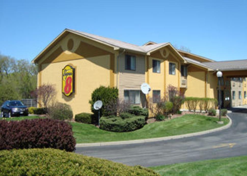 super 8 motel oswego rd