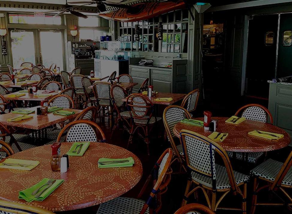 pier restaurant and tiki bar