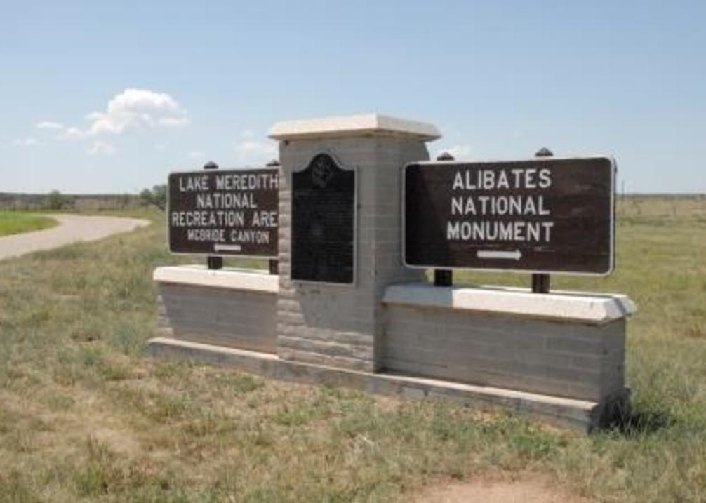 Alibates Sign