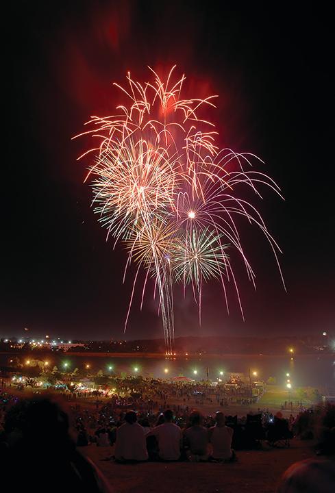 fireworks_rightcol.jpg