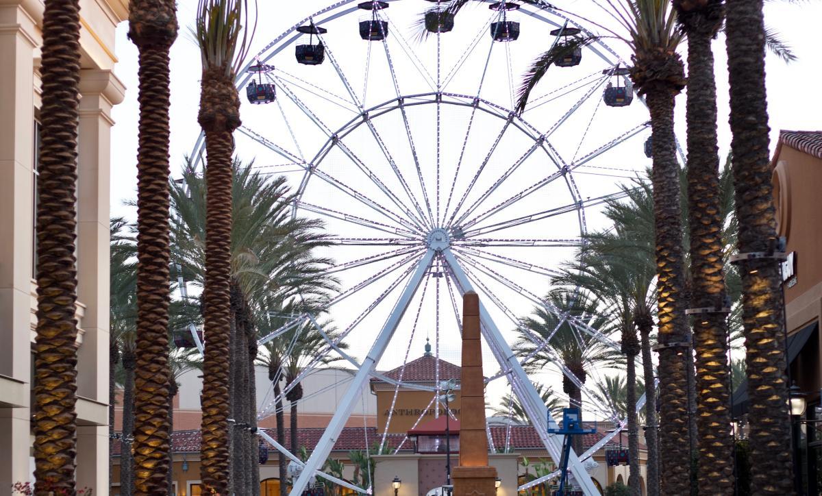 2018 Irvine Spectrum Center Ferris Wheel