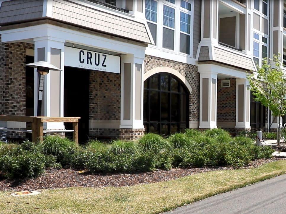 Cruz Restaurant Exterior