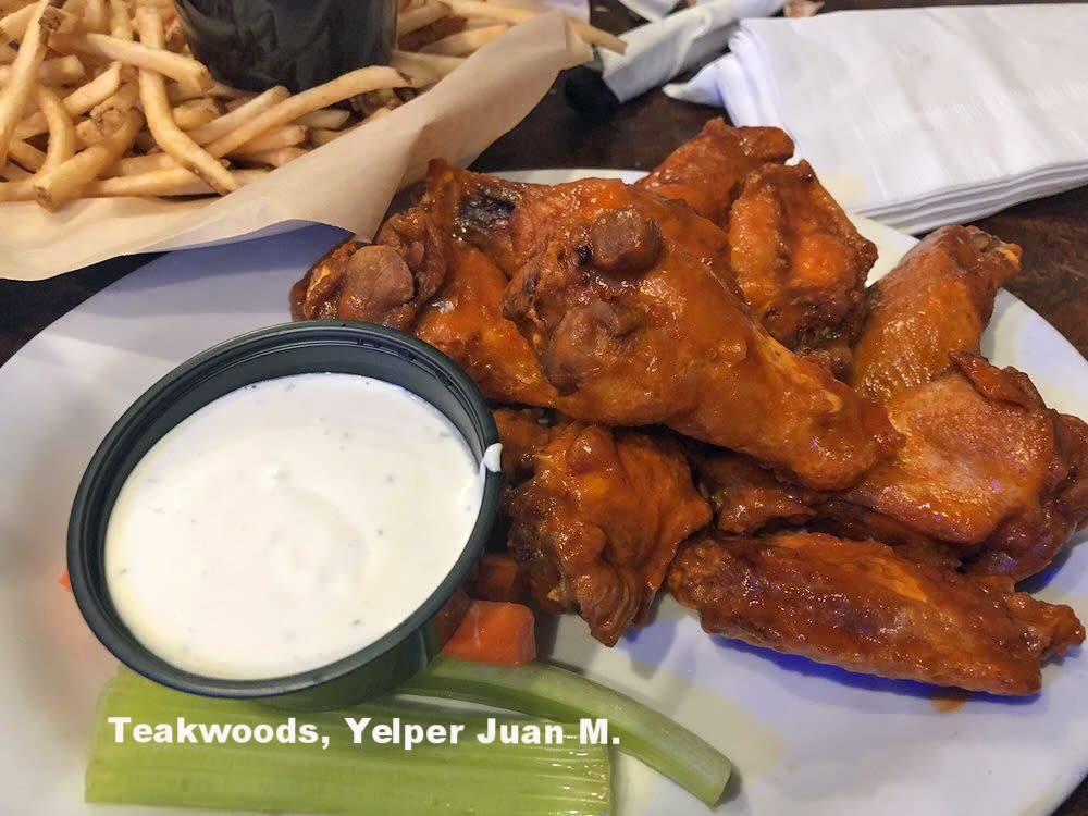 Teakwoods Wings, Yelper JuanM.