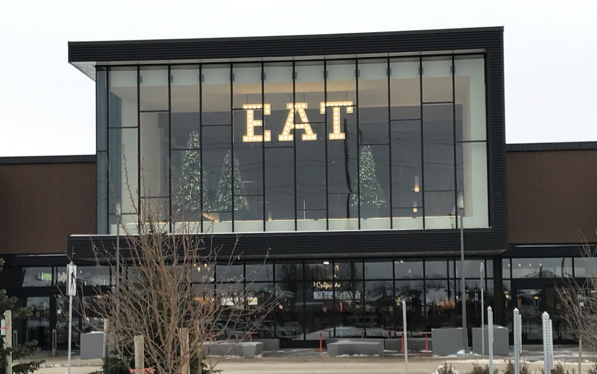 Outlet Collection_exterior_eat