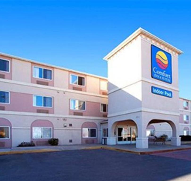 Comfort Inn & Suites North